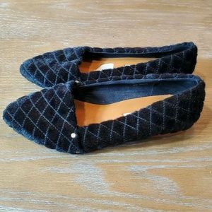 & OTHER STORIES black quilted faux fur point flats